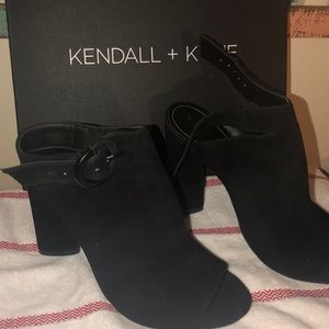Kendall & Kylie peep toe leather ankle bootie 7.5